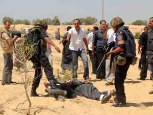 """Restoring security and stability to Sinai"": Egyptian police doing what they do best ( © Egypt Independent)"