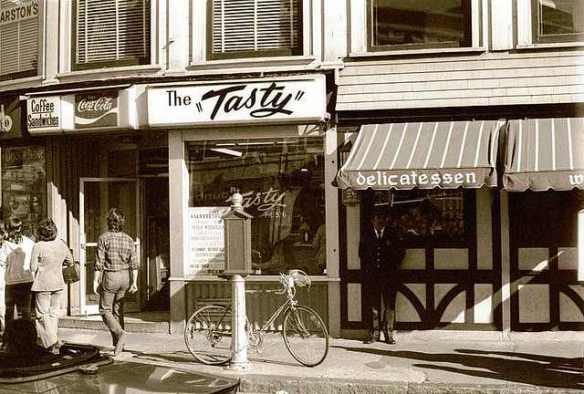 The Tasty in Harvard Square: I remember the Huskyburger