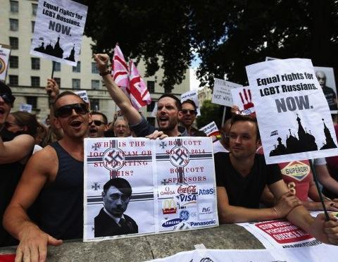 I'm furious at this Führer: London anti-Putin demonstration, August 2013