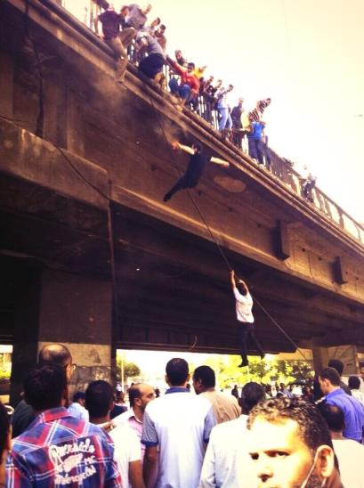 August 16: Victims jumping from downtown bridge to escape gunfire. From @Spikecullen