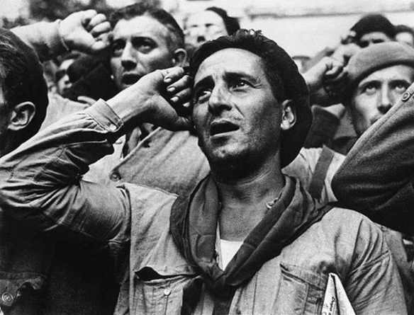 Member of the International Brigades at Montblanch, near Barcelona, October 25, 1938: photo by Robert Capa