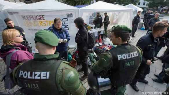 Police raid a migrants' camp in Munich, Germany, 2013