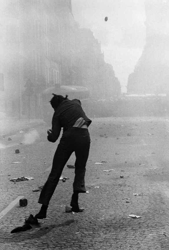 Protest at rue Saint-Jacques, Paris, 6 May 1968, by Gilles Caron: © Fondation Gilles Caron
