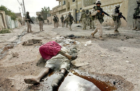 US patrol in Fallujah, 2004. Photo by Anja Niedringhaus, AP