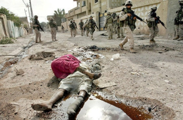 An image that did not go viral: US patrol in Fallujah, 2004. Photo by Anja Niedringhaus, AP